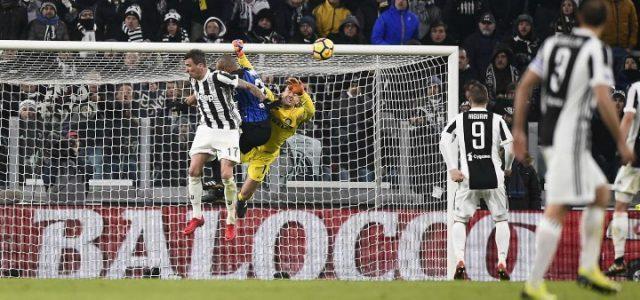 Mandzukic_Handanovic_Juventus_Inter_lapresse_2018