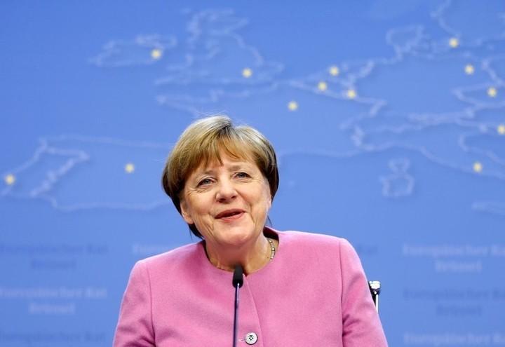 Merkel_Europa_Lapresse