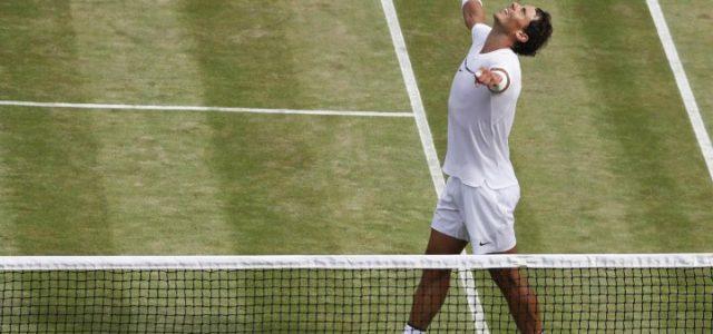 Nadal_braccia_vittoria_Wimbledon_lapresse_2017