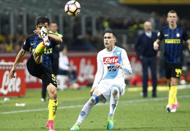 Nagatomo_Callejon_Inter_Napoli_lapresse_2017