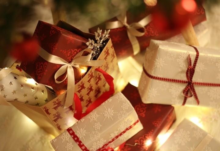 Natale_Regali_Fiocchi_Pixabay