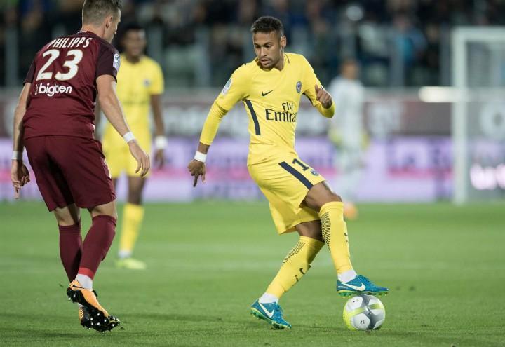 Neymar_Psg_giallo_lapresse_2017