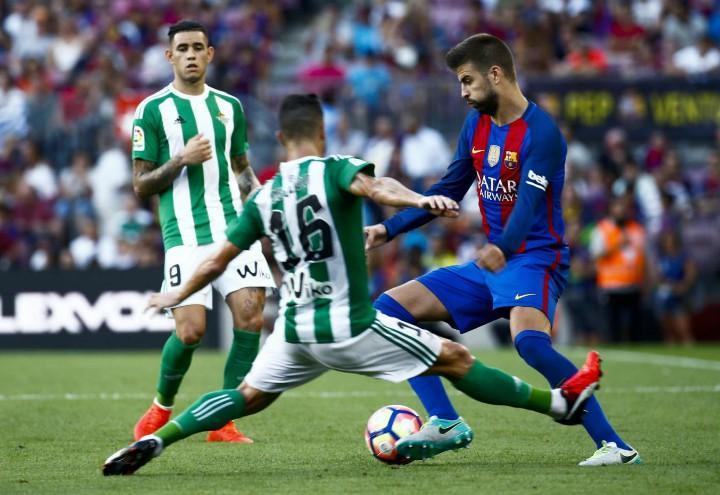 Pique_Barcellona_Betis_lapresse_2017