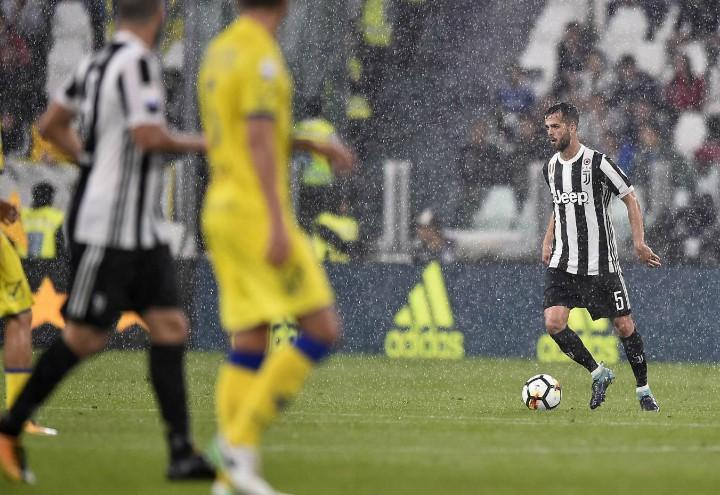 Pjanic_Juventus_Chievo_pioggia_lapresse_2018