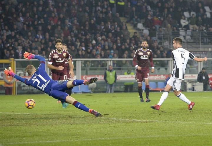 Pjanic_gol_Juventus_Torino_lapresse_2017