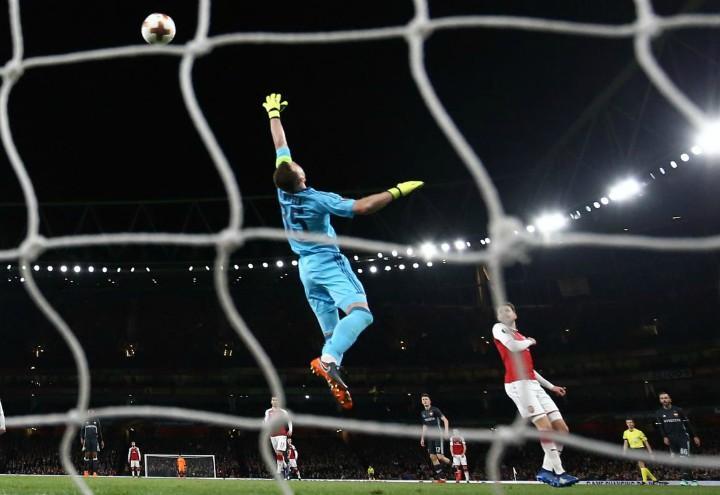 Ramsey_Akinfeev_Arsenal_Cska_gol_lapresse_2018
