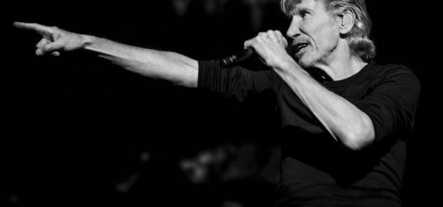 Roger-Waters-Sean-Evans_cs