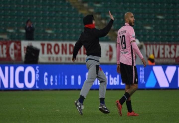 Schiaffo_a_un_calciatore_web_2017