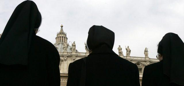 Suore_Vaticano_Lapresse
