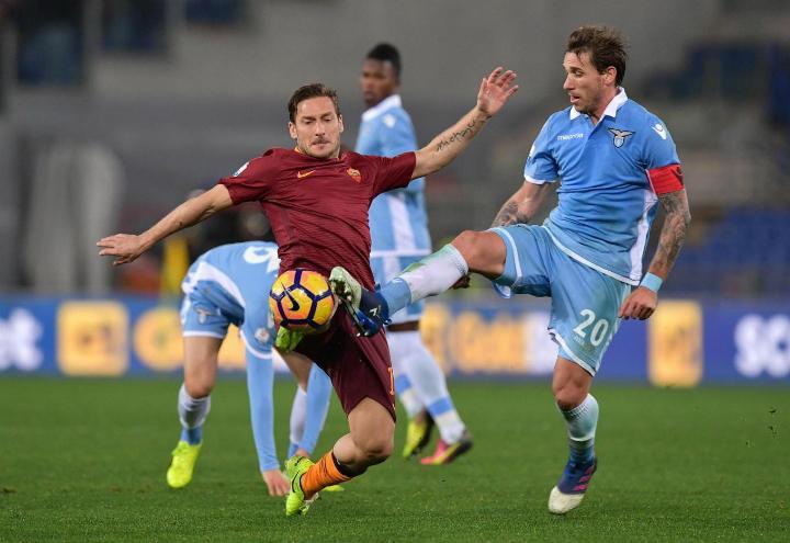 Totti_Biglia_Lazio_Roma_lapresse_2017