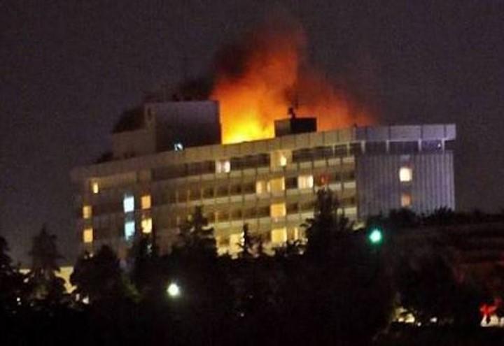 attacco_hotel_kabul_twitter