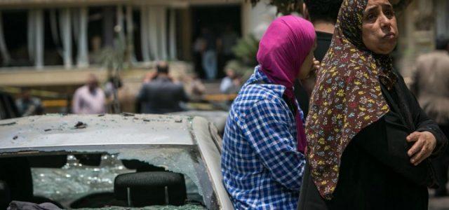 attentato_bomba_il_cairo_egitto_chiesa_donne_islam_guerra_lapresse_2017