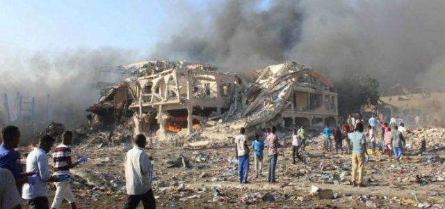 attentato_islamista_mogadiscio_somalia_bomba_terrorismo_lapresse_2017