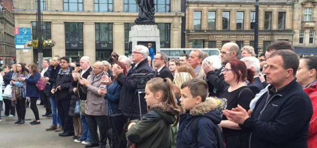 attentato_manchester_terrorismo_folla_lapresse_2017