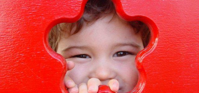 bambino_felice_sorriso_wikipedia_2017