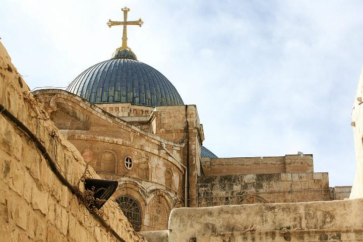 basilica-of-the-holy-sepulchre-pixabay