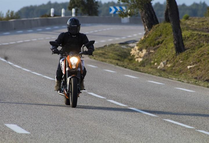 biker_motociclista_pixabay