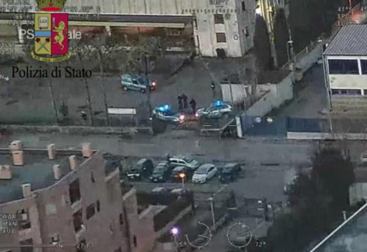 blitz_polizia_cina_mafia_prato_merci_youtube_2018