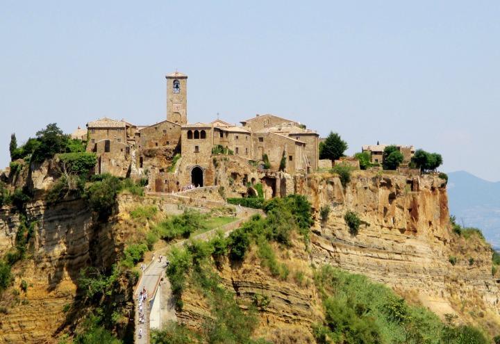 borgo_paese_civita_bagnoregio_wikipedia