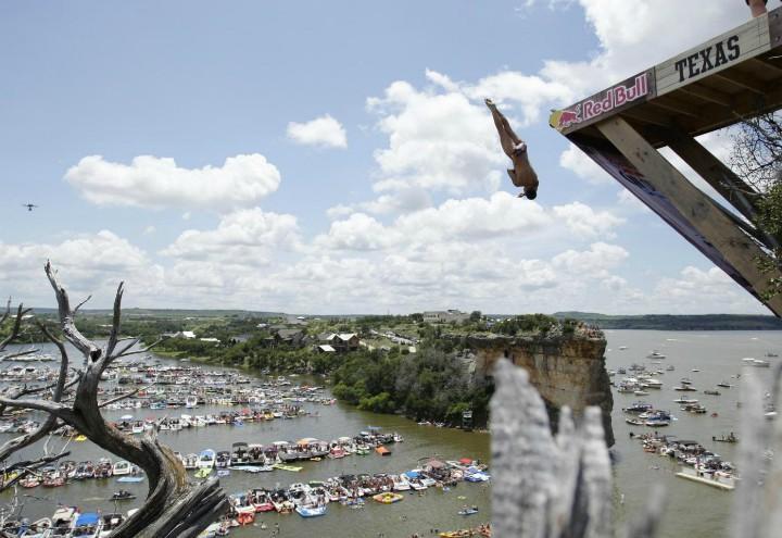 cliff_diving_texas_redbull_lapresse