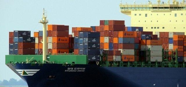 container-nave-commercio_pixabay
