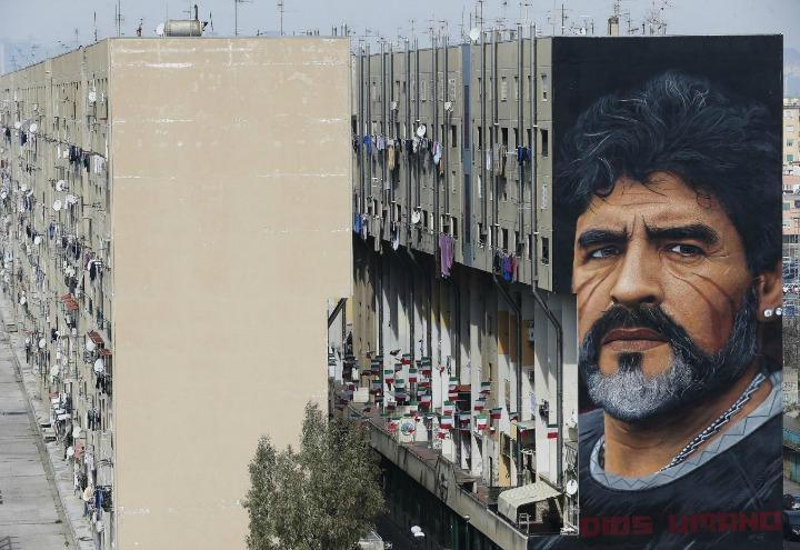 diego maradona murales