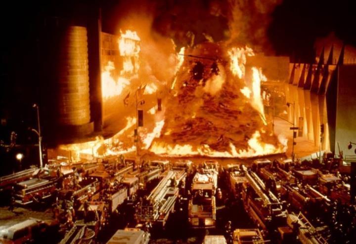disaster_zone_vulcano_a_new_york