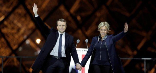 emmanuel_macron_brigitte_trogneux_moglie_eliseo_francia_presidente_lapresse_2017