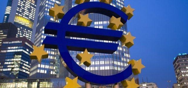 euro_simbolo_notte_lapresse