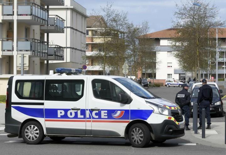 francia_polizia_terrorismo_rahim_namazov_giornalista_lapresse_2018