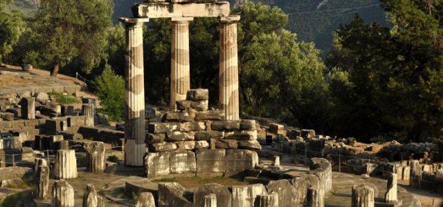 grecia_tempio_delfi_religione_web