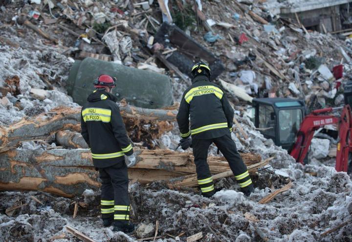 hotel_rigopiano_slavina_terremoto_vigili_fuoco_ricerche_lapresse_2017