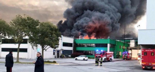 incendio_roncadin_meduno_pordenone_azienda_pizza_twitter_2017