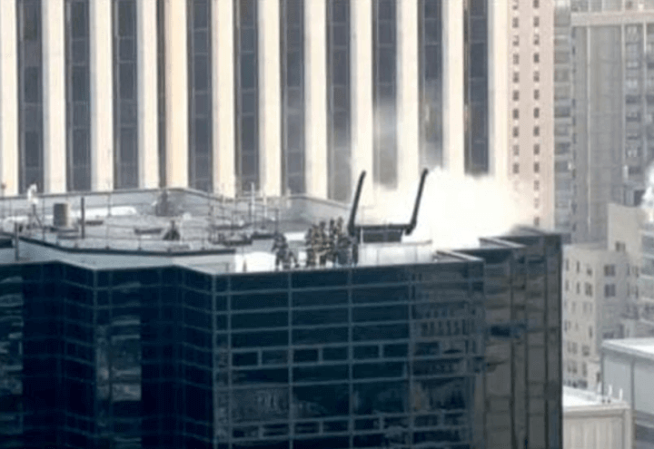 incendio_trump_tower_new_york_fiamme_tetto_twitter_2018