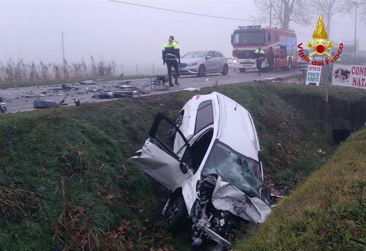 incidente_auto_camion_jesolo