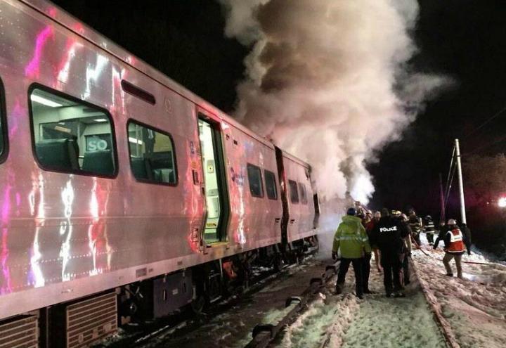 incidente_treno_incendio_soccorsi_ferroviario_lapresse_2017