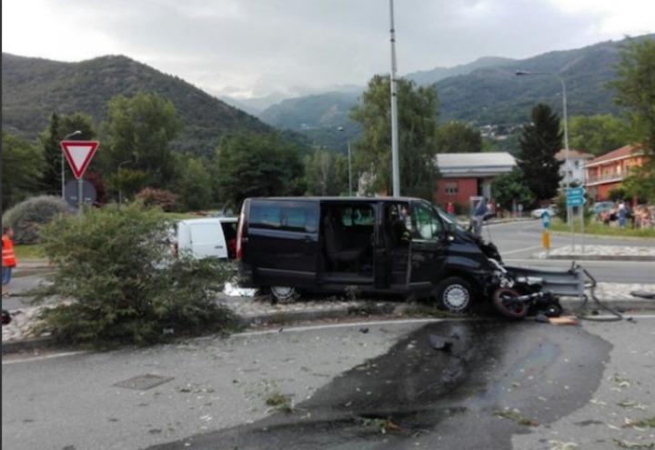 incidente_val_di_susa_moto_furgone_twitter_2017