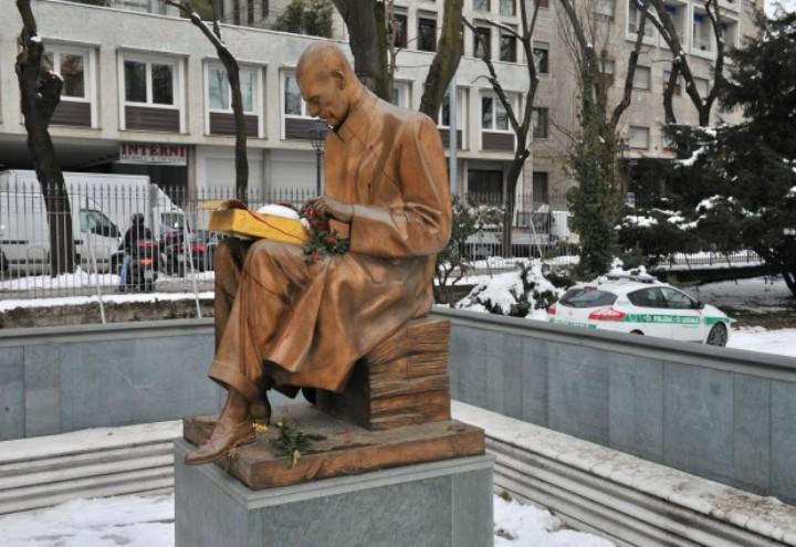 indro_montanelli_statua