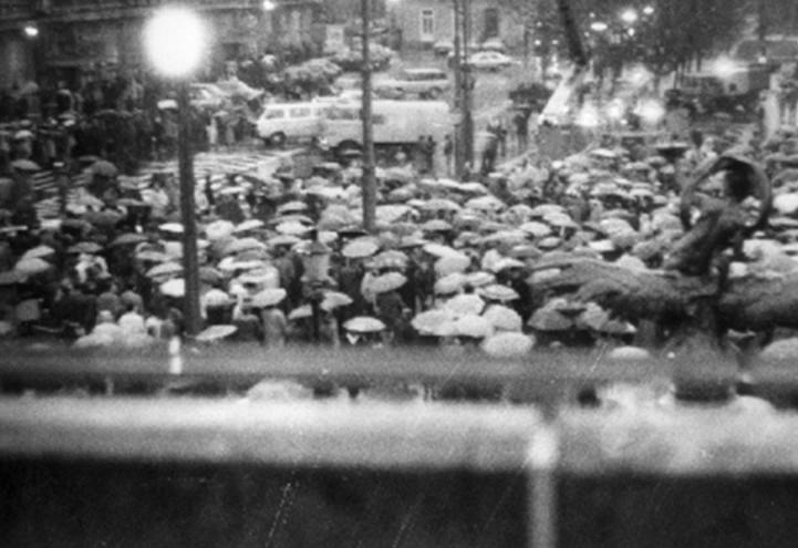 manifestazione_candele_cecoslovacchia_comunismo_1988_web