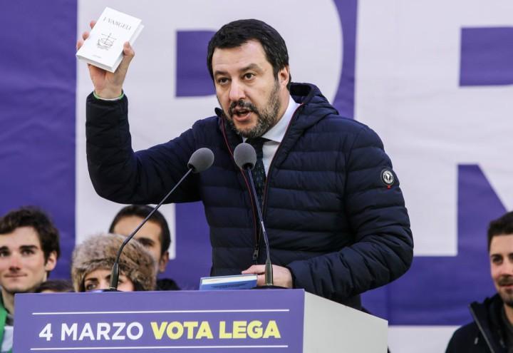 matteo_salvini_vangelo_comizio_elezioni_lega_lapresse_2018