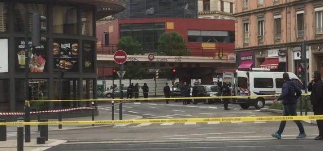 mcdonalds_grenoble_francia_terrorismo_bomba_polizia_dailymotion_2017