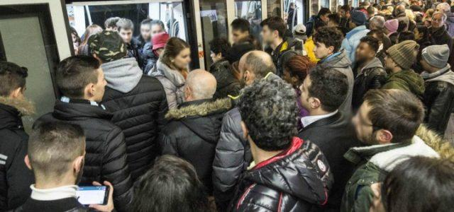 metro_roma_sciopero_folla_stazione_lapresse_2018