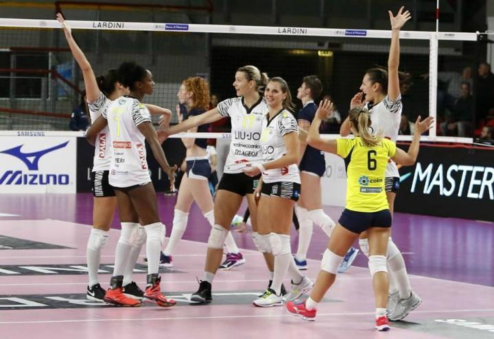 modena_volley_femminile_facebook_2017_festa