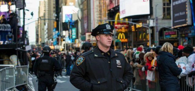 newyork_usa_polizia_lapresse_2016