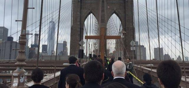 newyork_viacrucis_ponte_brooklyn_riromaniscalco