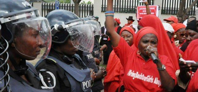 nigeria_protesta_bokoharam_ragazze_rapite_lapresse_2014