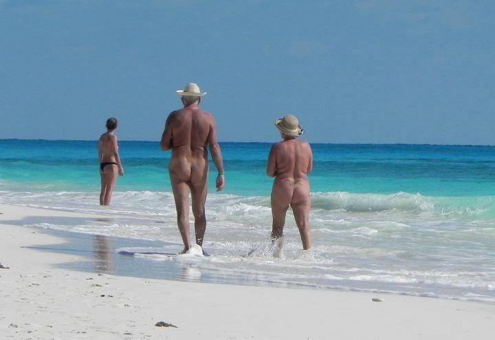 nudisti_spiaggia_pixabay_2017