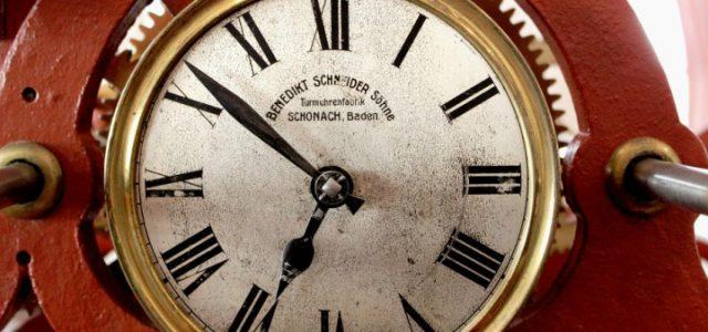 orologio_meccanismo_rosso_fermo_web_2017