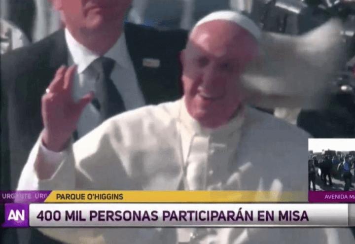 papa_francesco_colpito_giornale_cile_youtube_2018