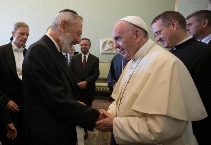 papa_francesco_rabbini_israele_dialogo_religioni_lapresse_2017